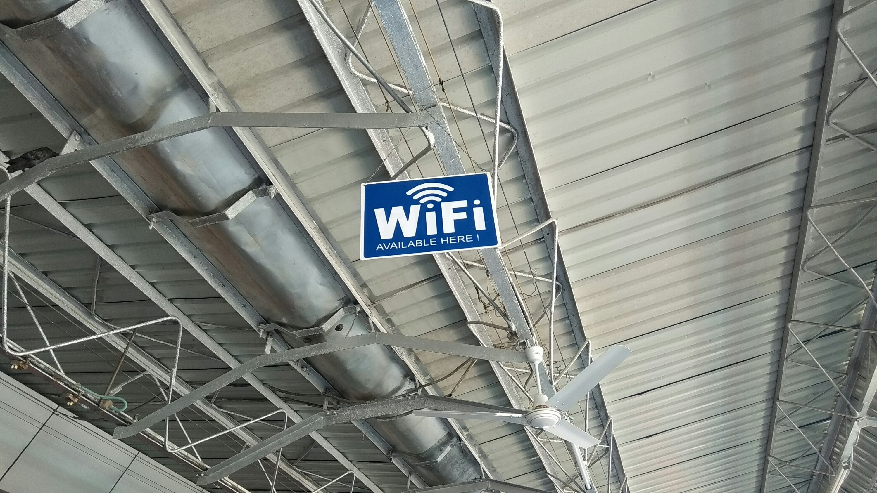 Have Fun With FREE Wi-Fi Service At New Mal Junction